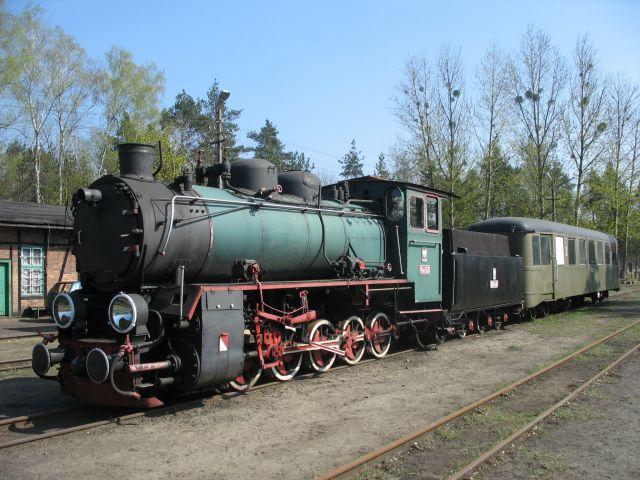 Zdjęcia: Rudy Raciborskie, ŚLĄSK, stoi na stacji lokomotywa, POLSKA
