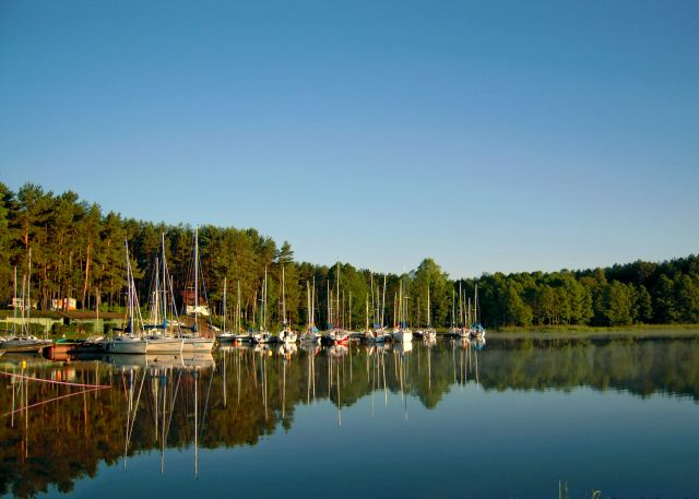 Zdjęcia: Marina w Karwicy, Jezioro Nidzkie, Mazury, Poranek nad Nidzkim, POLSKA