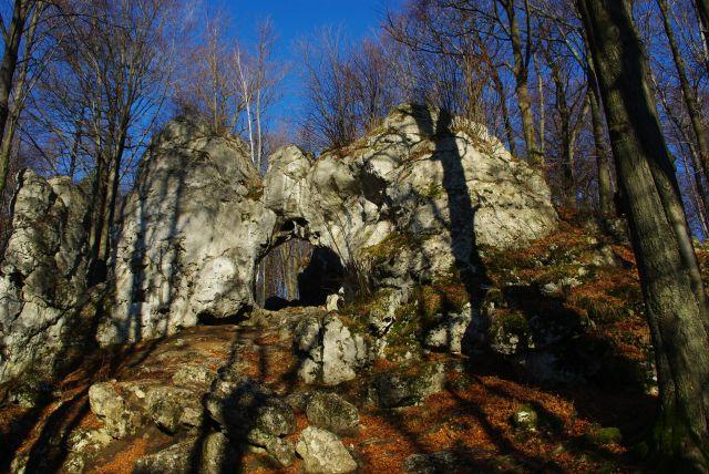 Zdjęcia: Złoty Potok, Jura Krakowsko-Czestochowska, brama Twardowskiego, POLSKA