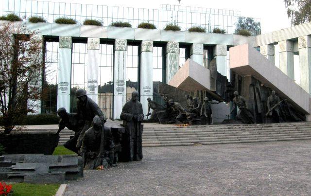 Zdjęcia: Warszawa, Mazowsze, Jedyny taki pomnik, POLSKA