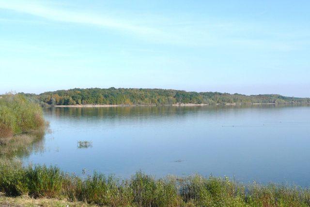 Zdjęcia: peryferie miasta, Dolny Śląsk, jesienne jezioro, POLSKA