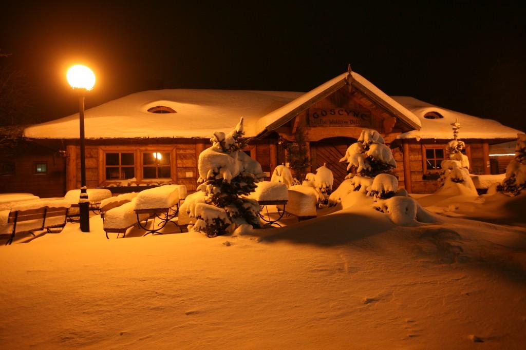 Zdjęcia: Szymbark, Pomorze, Pod śniegiem, POLSKA