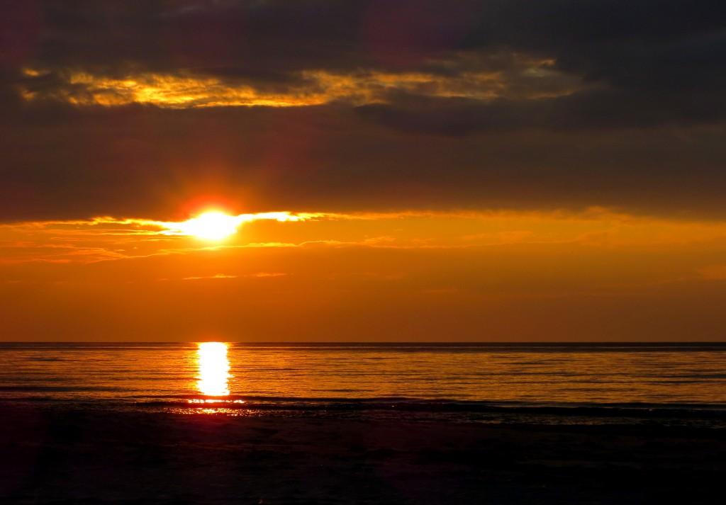Zdjęcia: Białogóra, Kaszuby, światło, czy mrok..., POLSKA