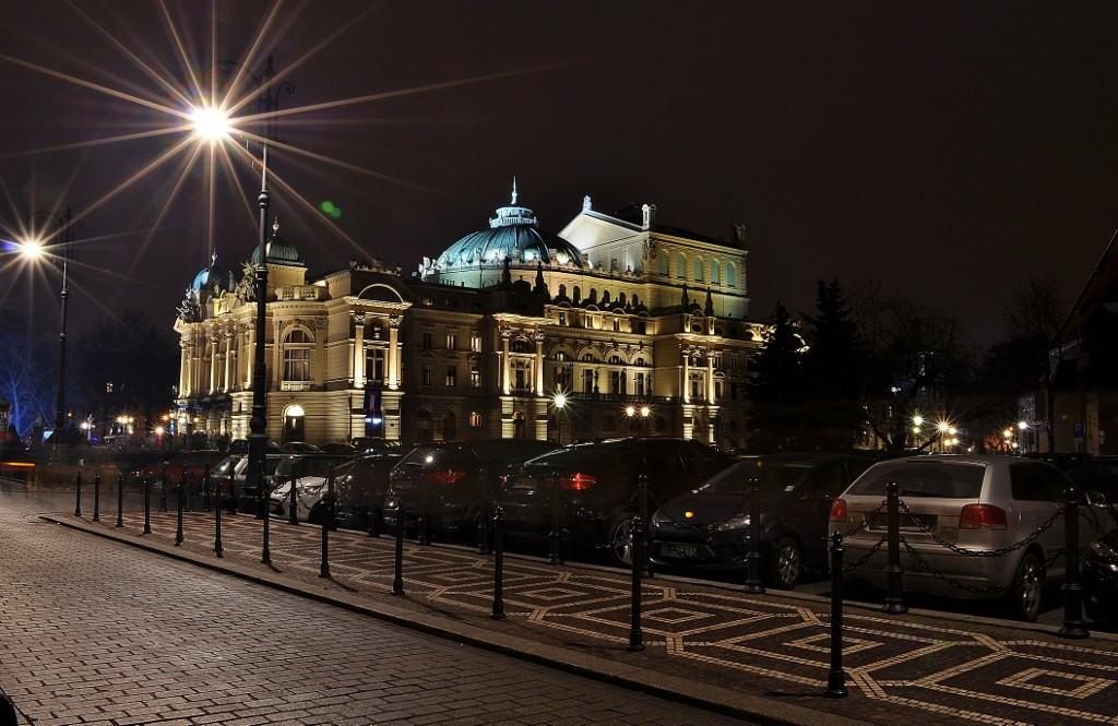 Zdjęcia: Kraków, Małopolska, Kraków, widok na teatr Słowackiego, POLSKA