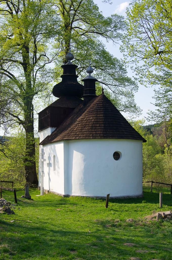 Zdjęcia: Bieliczna, Beskid Niski, Wiosenna kapliczka, POLSKA