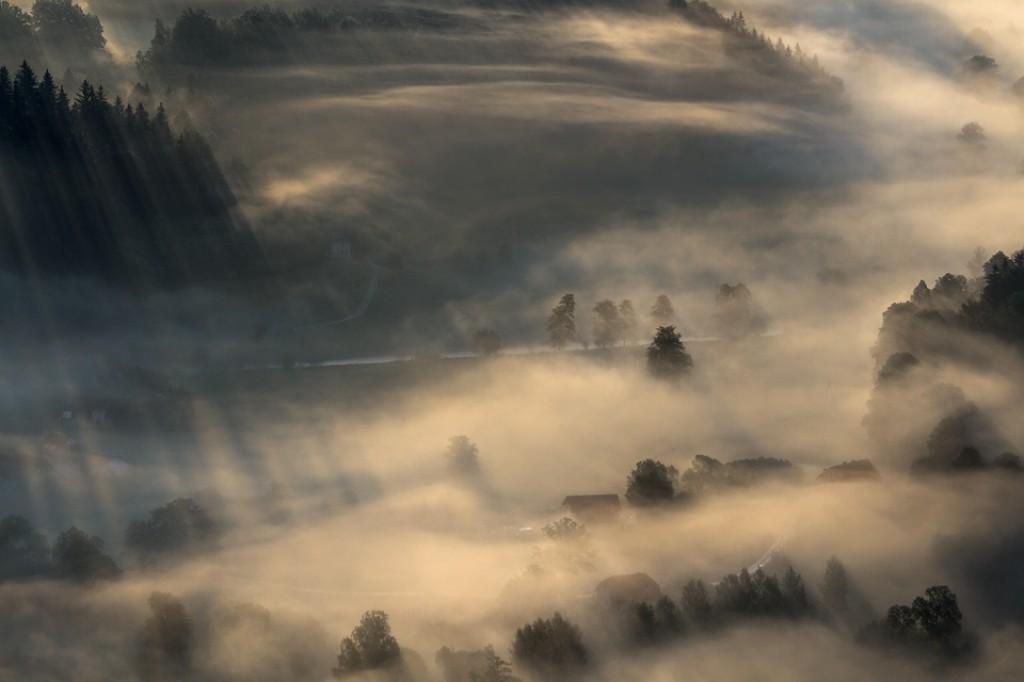 Zdjęcia: Dolina Bobru/ Widok z Sokolika Dużego, Dolny Śląsk, Dotknięte porannym światłem..., POLSKA