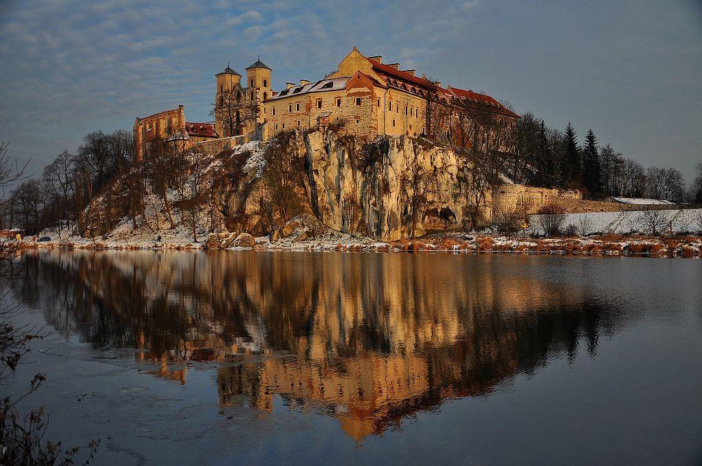 Zdjęcia: Piekary naprzeciw Tyńca, Małopolska, Tyniec zimą, POLSKA