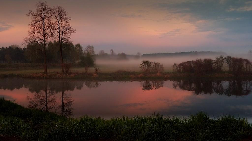 Zdjęcia: Bełchów, łodzkie, Krajobraz z mgiełką, POLSKA