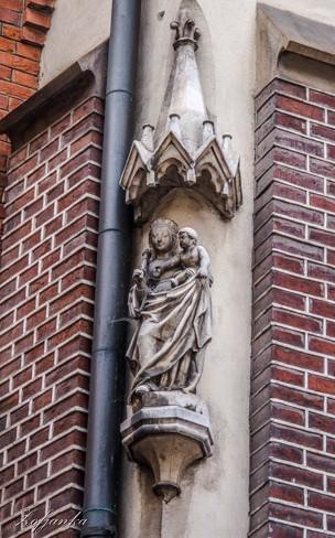 Zdjęcia: Kraków, Stare Miasto, Zaulek Ksiąząt Czartoryskich, Narożna kapliczka, POLSKA