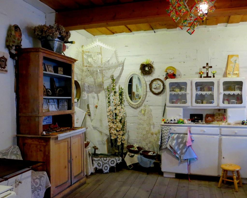 Zdjęcia: Lanckorona, Małopolska, stare koronki..., POLSKA