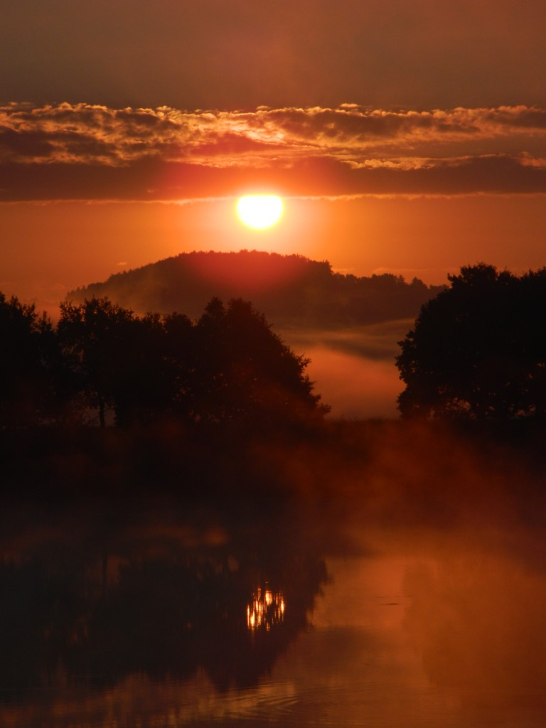 Zdjęcia: wiślisko, spytkowice, kolorowy wschód za mgłą..., POLSKA
