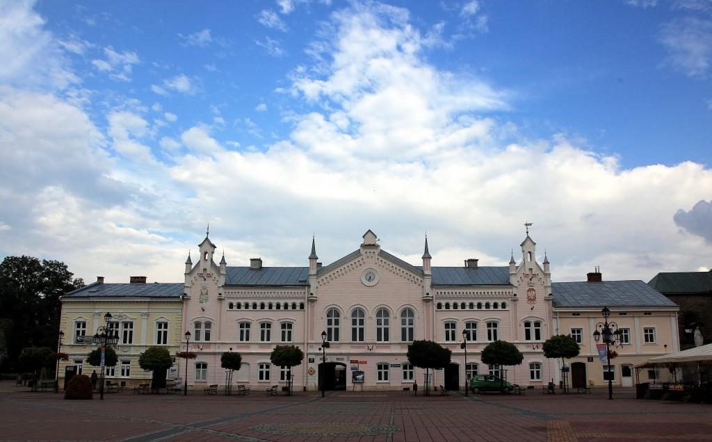 Zdjęcia: Rynek, Sanok, Ratusz, POLSKA