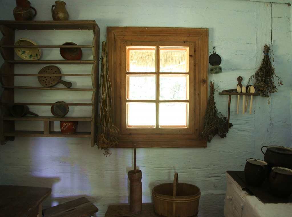 Zdjęcia: Muzeum Budownictwa Ludowego w Sanoku, Podkarpackie, Wyposażenie kuchni, POLSKA