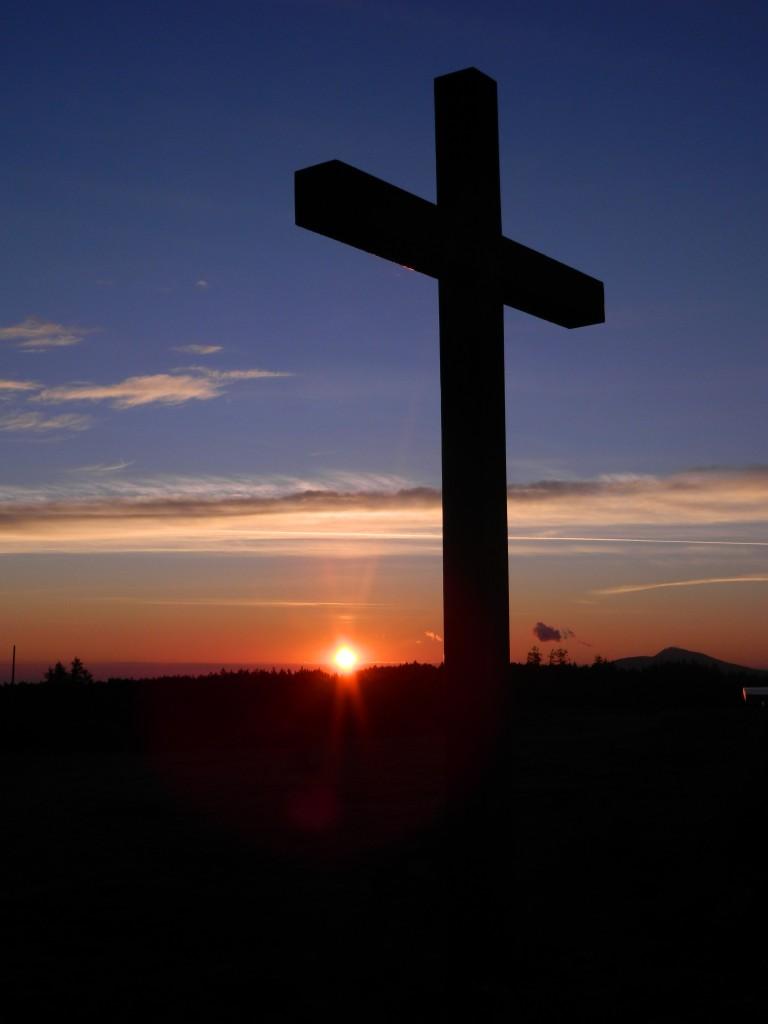 Zdjęcia: pilsko, beskidy, Krzyż o wschodzie na Pilsku, POLSKA