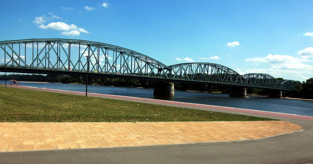 Zdjęcia: Bulwar Filadelfijski, Roruń, Most drogowy im. Józefa Piłsudskiego, POLSKA