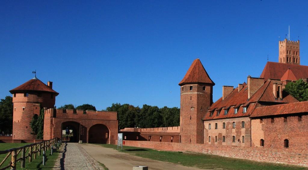 Zdjęcia: Gotycki zamek krzyżacki, Malbork, Brama Nowa, od strony Wału Plauena, POLSKA