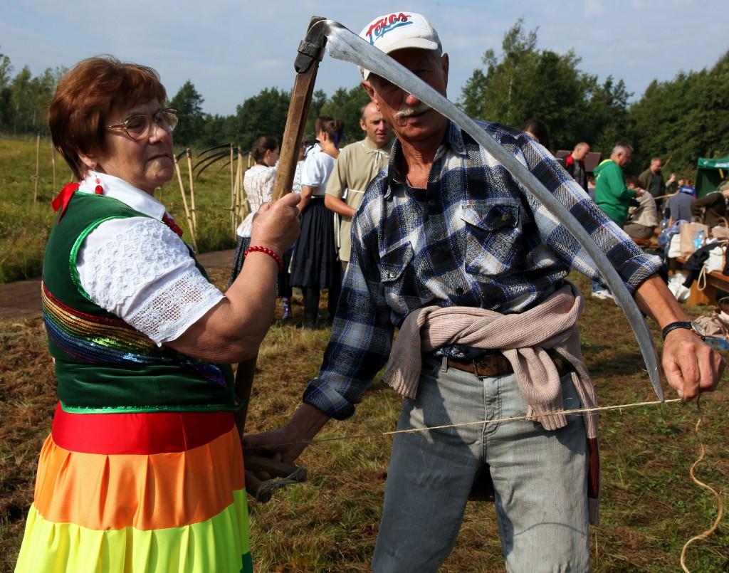 Zdjęcia: Bagno Ławki, Biebrzański Park Narodowy, Pomiar kosy, POLSKA
