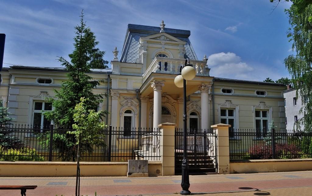 Zdjęcia: Tomaszów Mazowiecki, Centrum, Pałac doktora Rodego, POLSKA