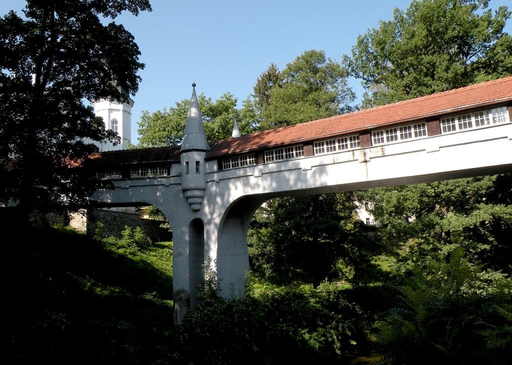 Zdjęcia: Lądek Zdrój, dolnoslaskie, Kryty most nad rzeką Białą Lądecką, POLSKA