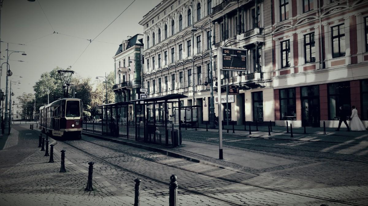 Zdjęcia: Wrocław, Plac przed operą , POLSKA