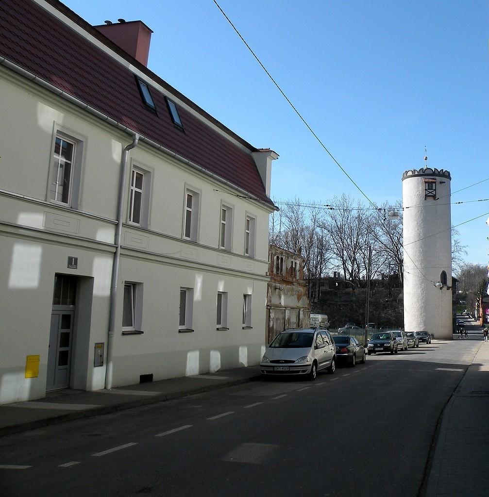 Zdjęcia: Paczków, opolskie, Uliczka z basztą, POLSKA