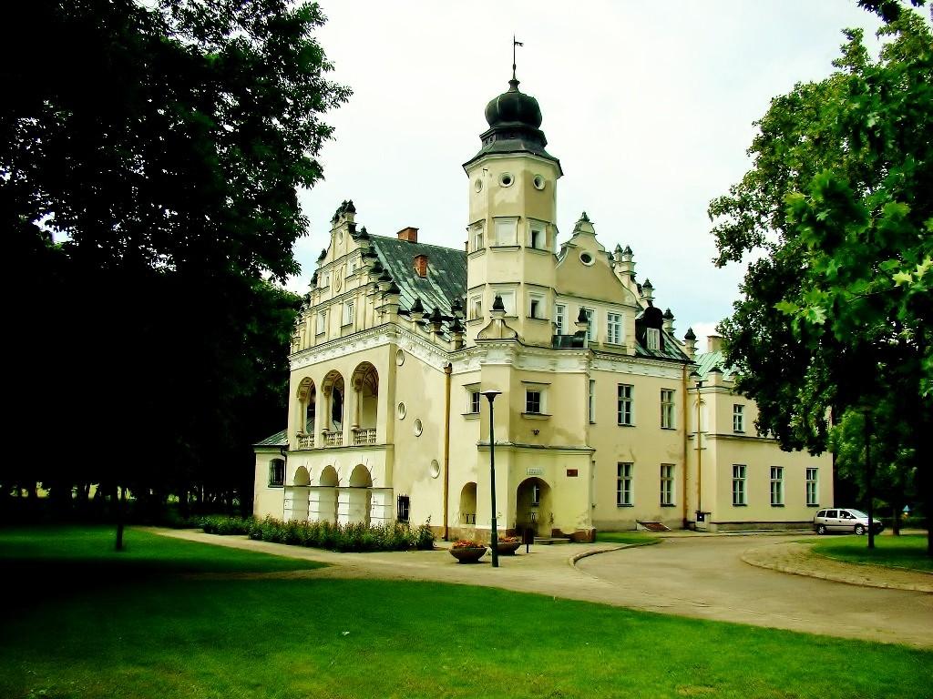 Zdjęcia: Poddębice, województwo łódzkie, Poddębice-pałac Grudzińskich z 1617 roku, POLSKA