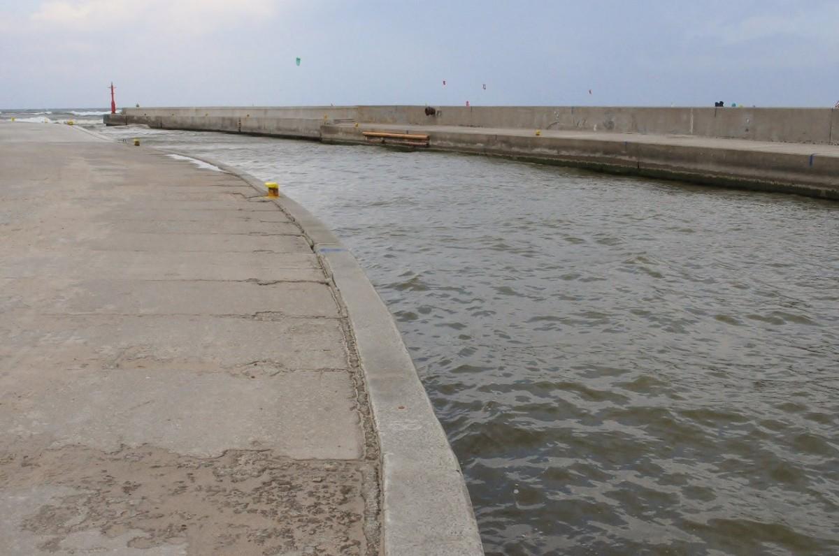Zdjęcia: Rowy, Pomorskie, Rowy, wejście do portu, POLSKA
