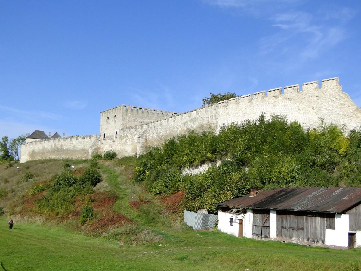 Zdjęcia: Szydłów, świętokrzyskie, Pod murami Szydłowa., POLSKA