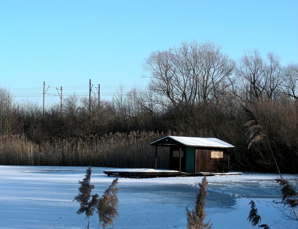 Zdjęcia: Nowa Wieś, opolskie, Chatka rybaka zimą, POLSKA