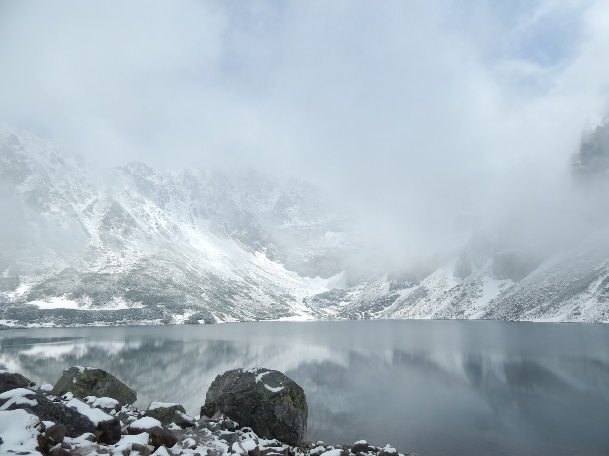 Zdjęcia: Czarny Staw Gąsienicowy, Tatry, Siwo mgła, POLSKA