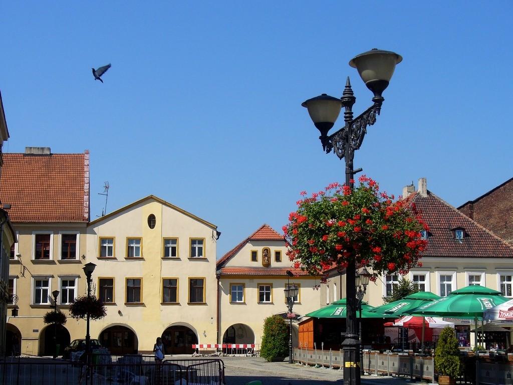 Zdjęcia: Tarnowskie Góry, ślaskie, Domy podcieniowe w zachodniej pierzei Rynku., POLSKA