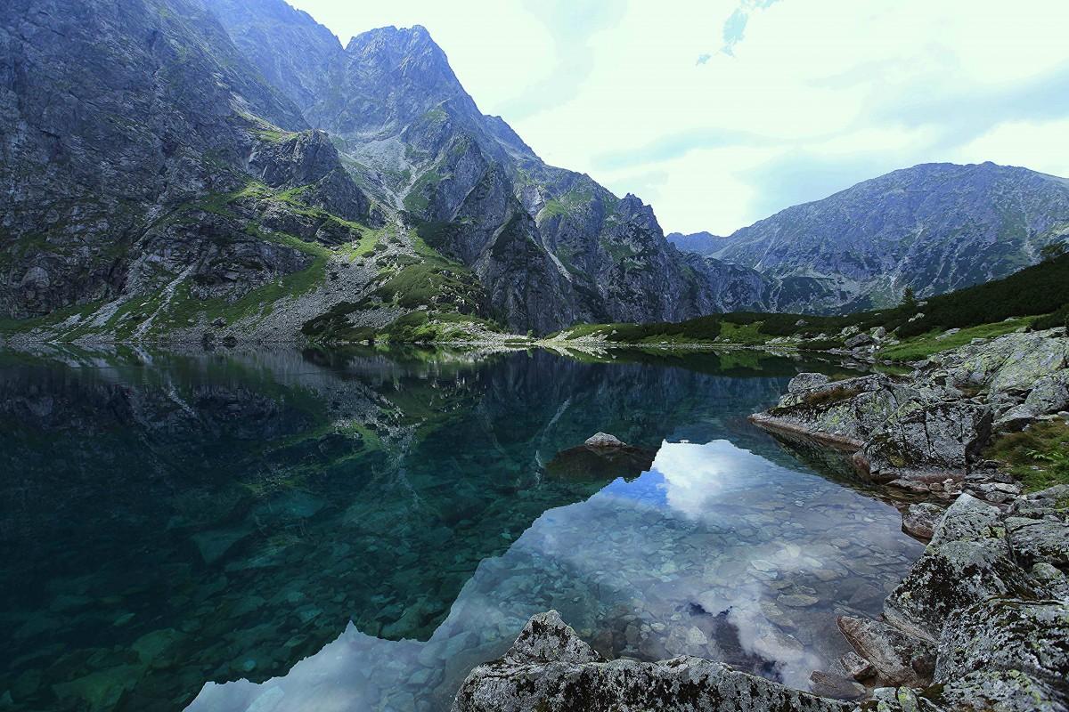 Zdjęcia: Czarny Staw pod Rysami, Tatry, W lustrze wody, POLSKA