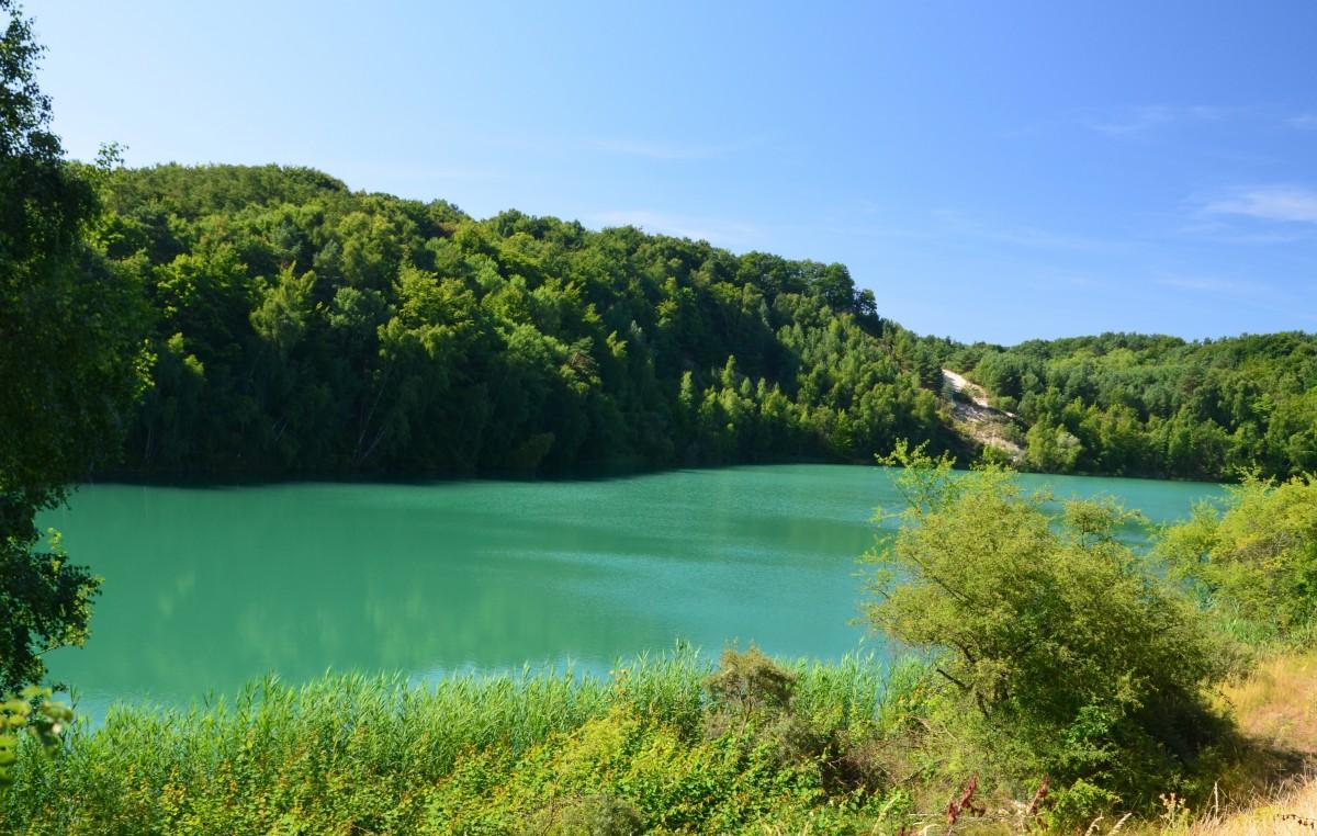 Zdjęcia: Woliński Park Narodowy, Zachodniopomorski, Jezioro turkusowe o porannej porze, POLSKA