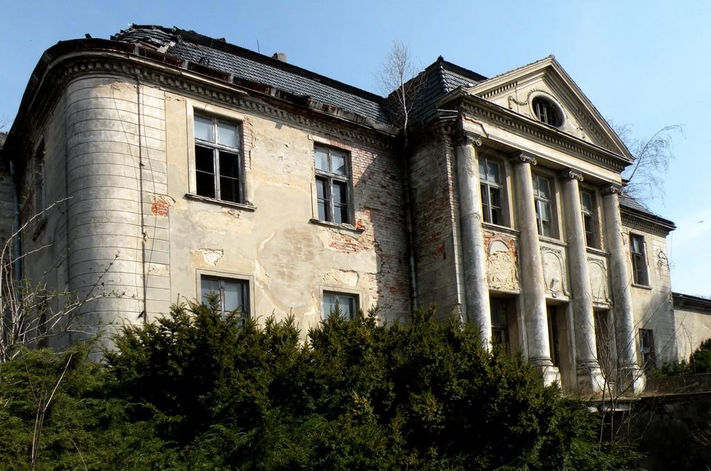Zdjęcia: Grudynia Mała, opolskie, Pałac z kolumnani Jońskimi., POLSKA