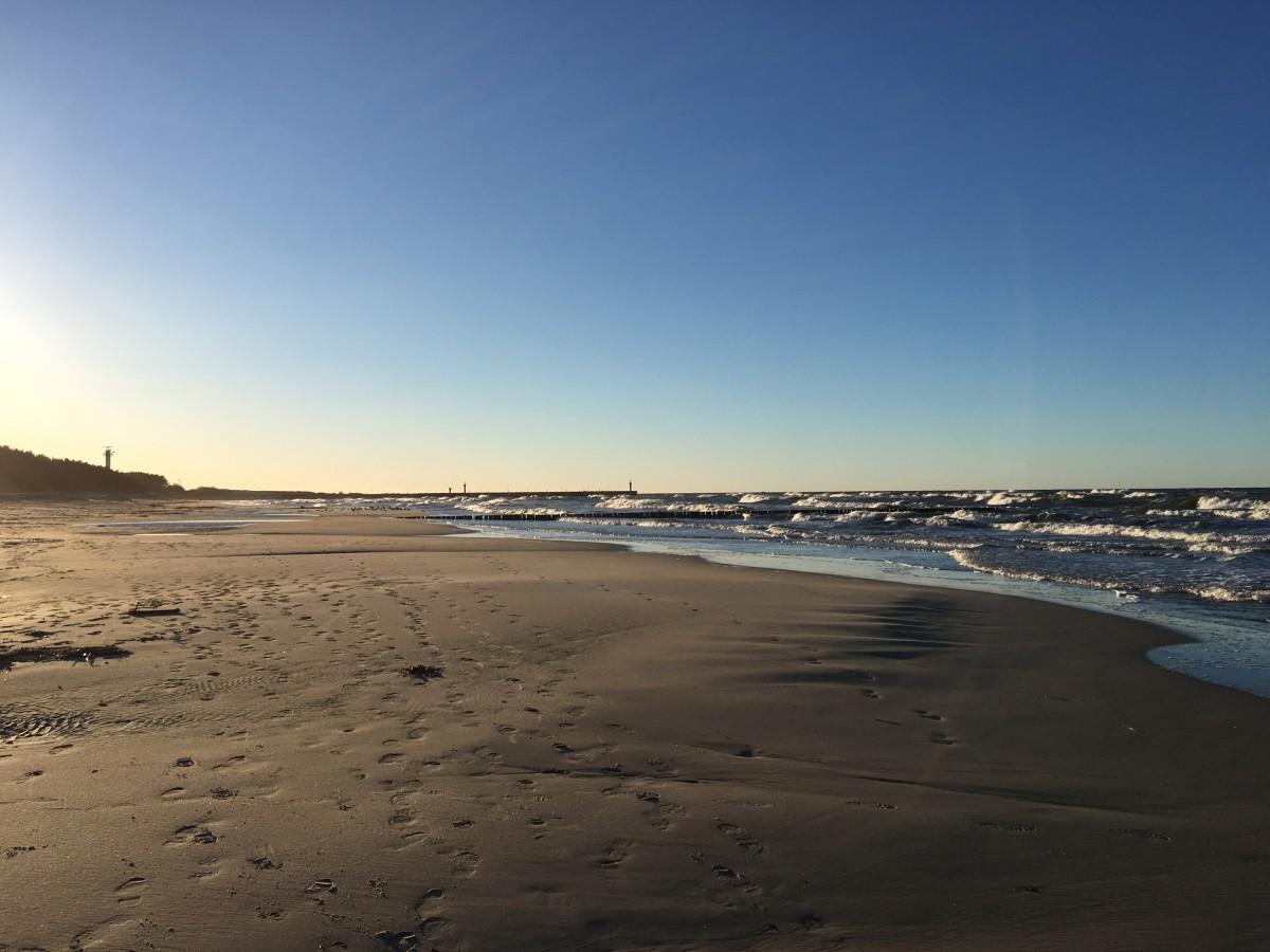 Zdjęcia: Łeba, Pomorze, Na plaży w lutym, POLSKA