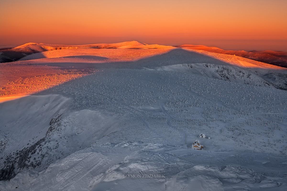 Zdjęcia: Śnieżka, Karkonosze, Kiedy ranne wstają zorze, POLSKA