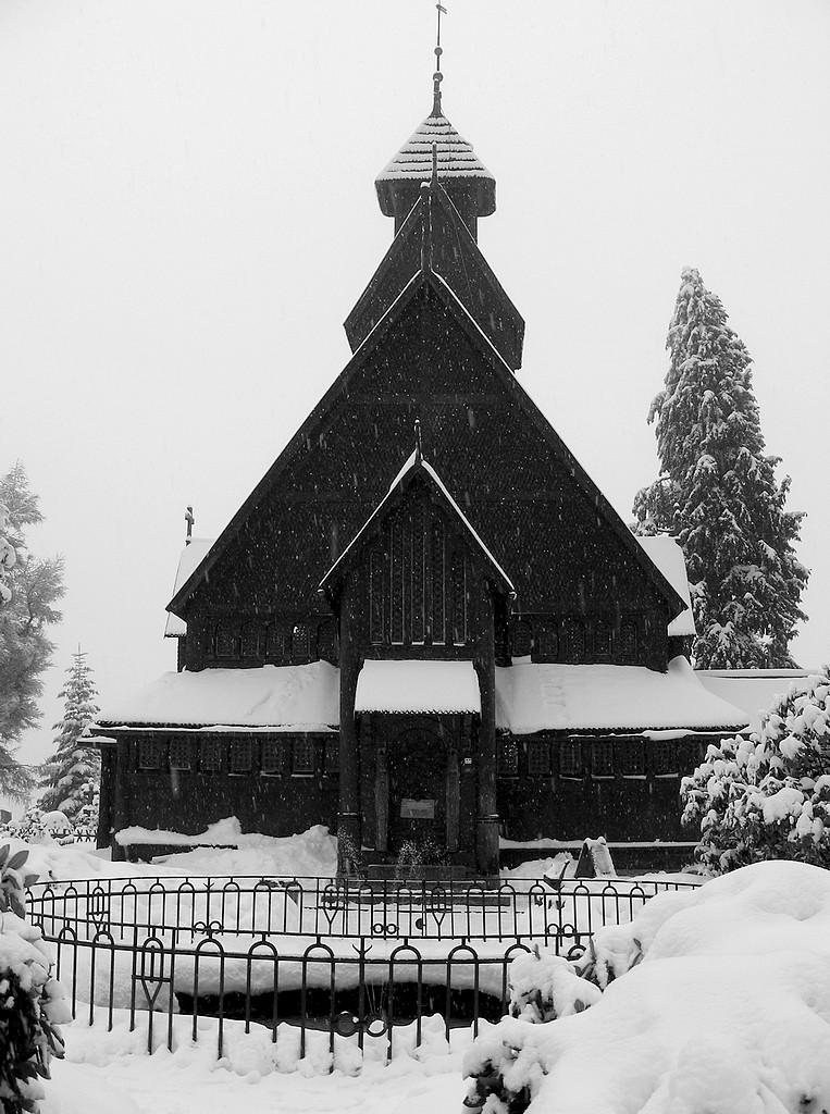 Zdjęcia: Karpacz, dolnoślaskie, Wang w zimowej szacie, POLSKA