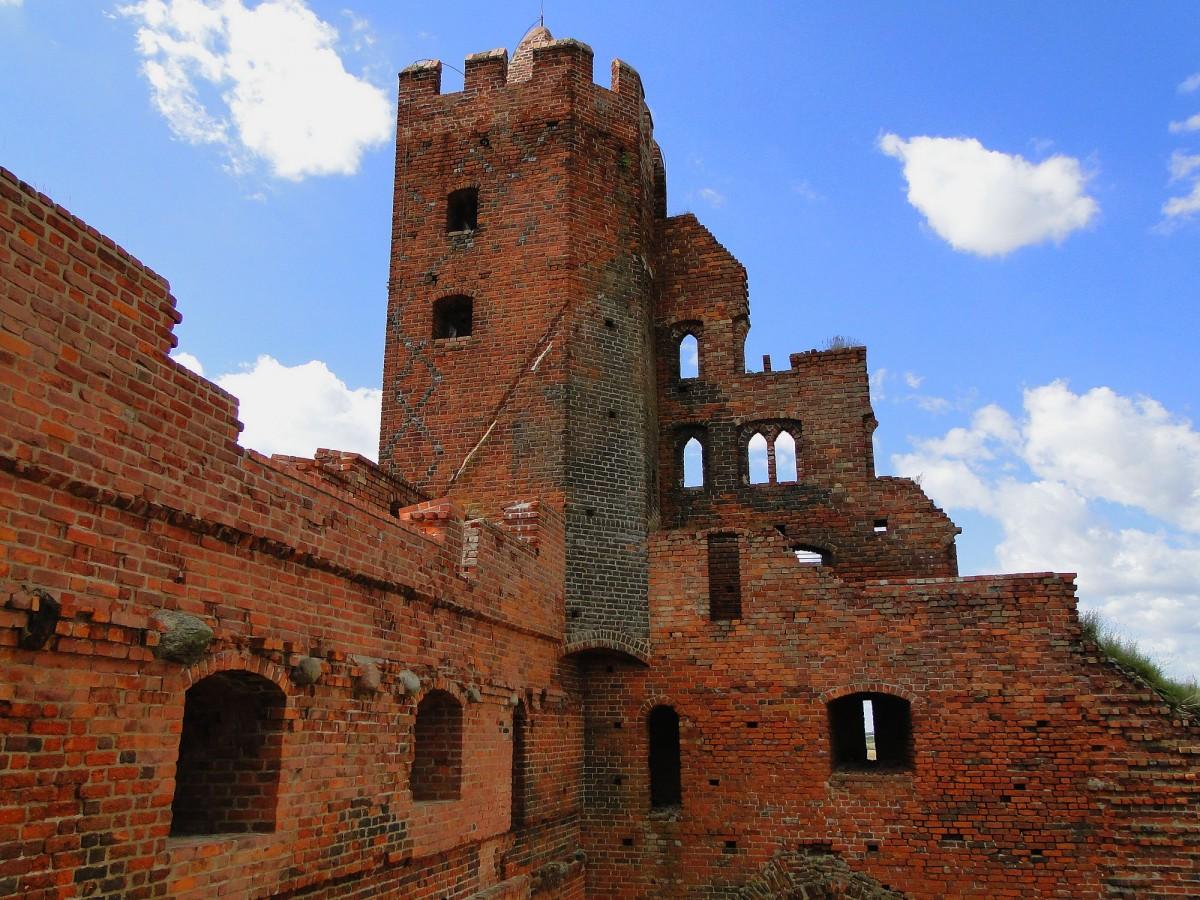 Zdjęcia: Radzyń Chełmiński, kujawsko-pomorskie, Ruiny zamku krzyżackiego, POLSKA