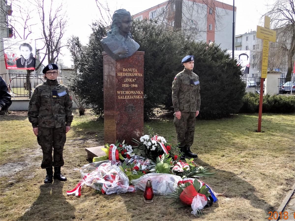 Zdjęcia: Piła, Wielkopolska, Pomnik Inki-od wczoraj w Pile, POLSKA