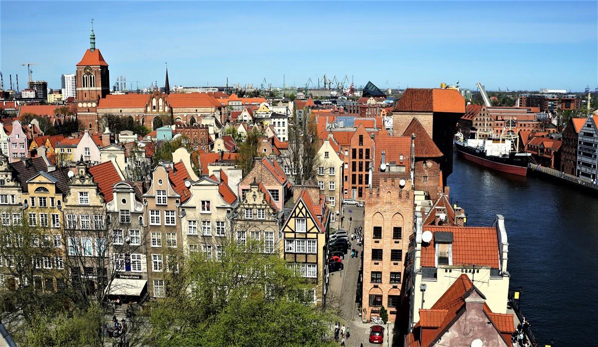 Zdjęcia: Z wieży widokowej Muzeum Archeologicznego – tzw. Domu Przyrodników., Gdańsk, Kamieniczki przy ulicy Świętego Ducha, POLSKA