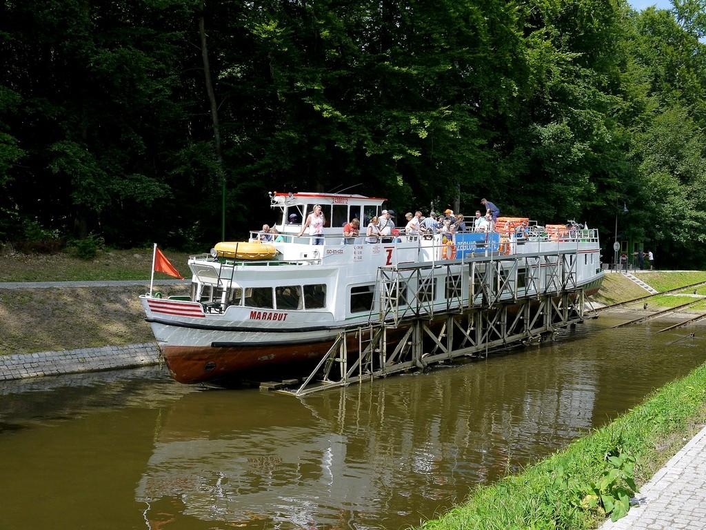 Zdjęcia: Pochylnia Buczyniec, warmińsko- mazurskie, Statek na wózku, POLSKA