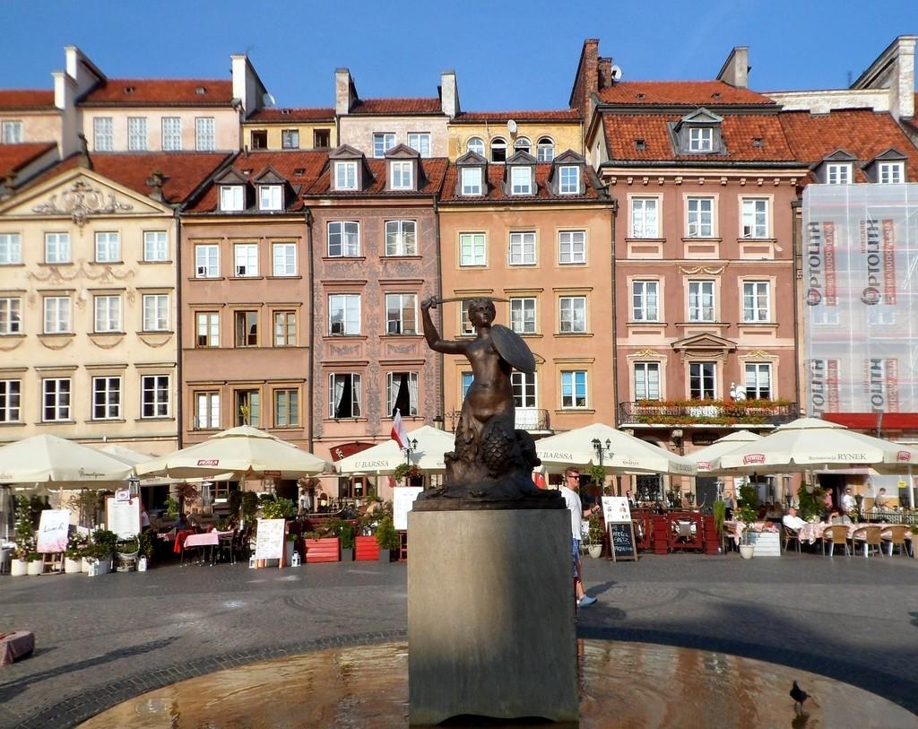 Zdjęcia: Warszawa, mazowsze, Syrenka na rynku, POLSKA