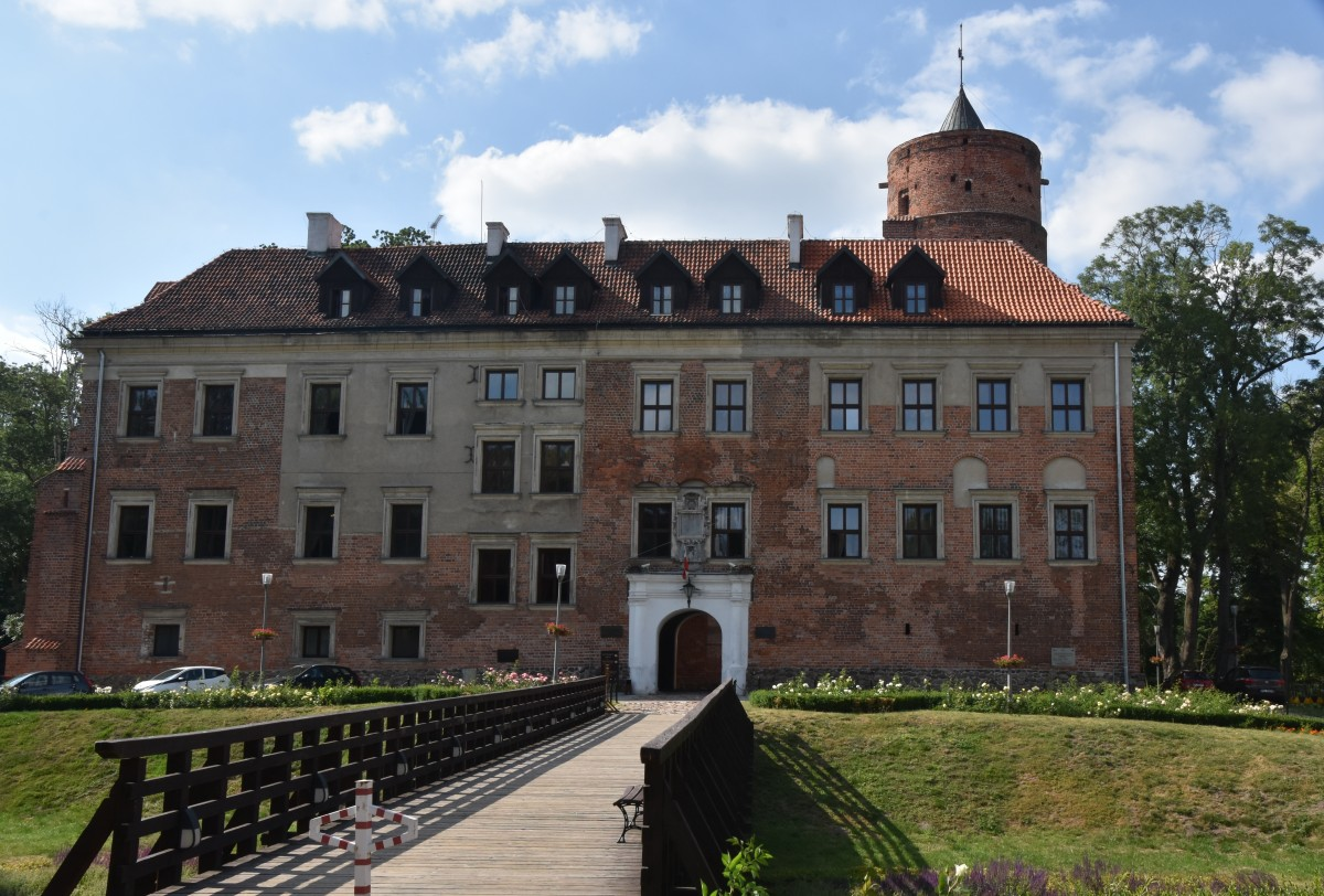 Zdjęcia: Uniejów, woj. łódzkie, zamek w Uniejowie, POLSKA