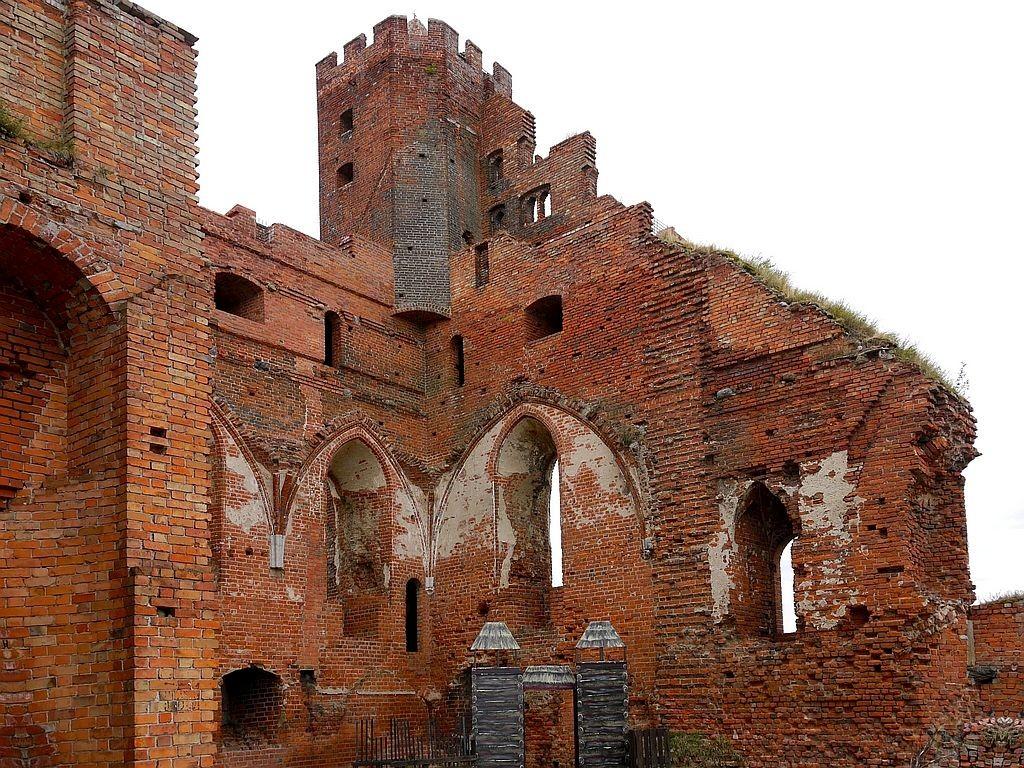 Zdjęcia: Radzyń Chełmiński, kujawsko-pomorskie, Widok murów od wewnątrz, POLSKA