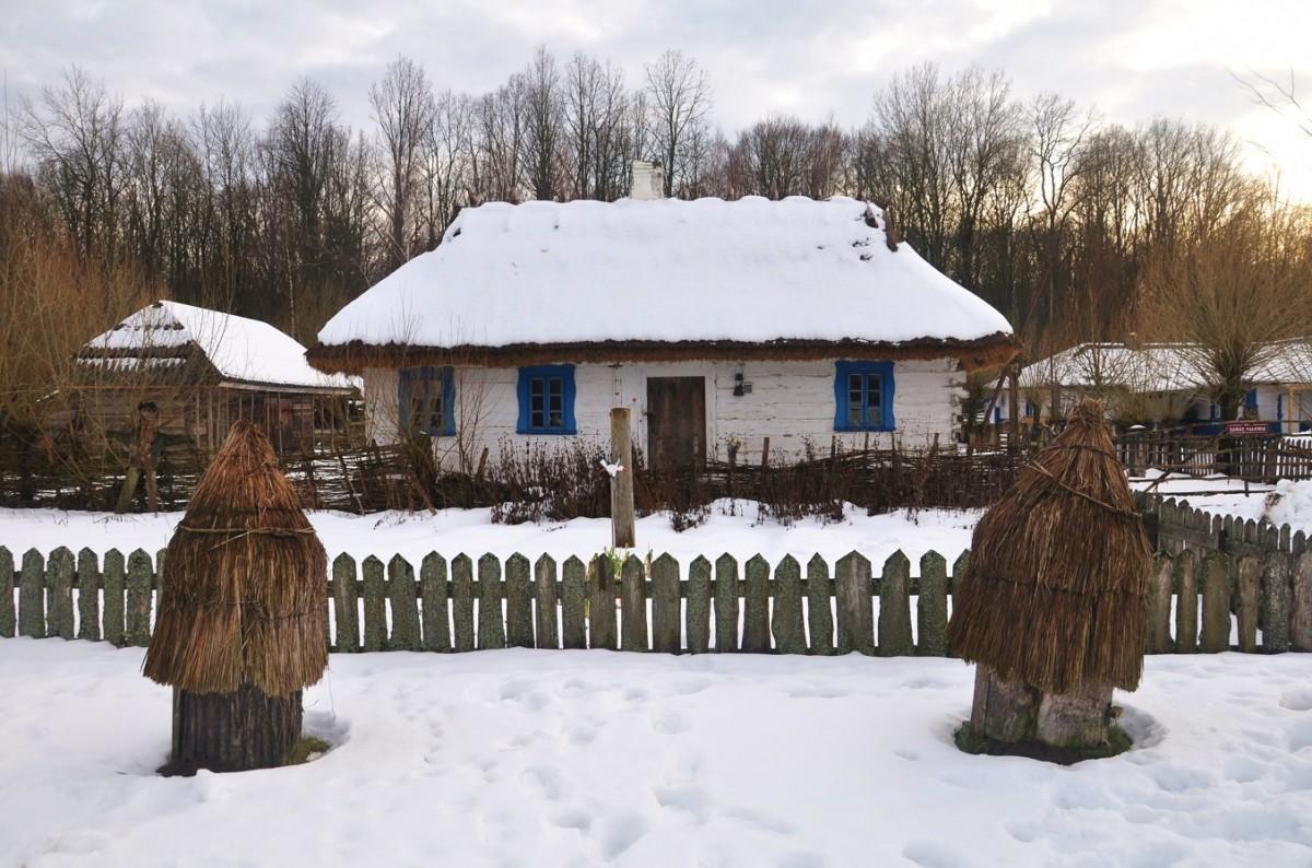 Zdjęcia: Budy, podlaskie, Zimowe Podlasie. Zabytkowa zabudowa w Budach, POLSKA