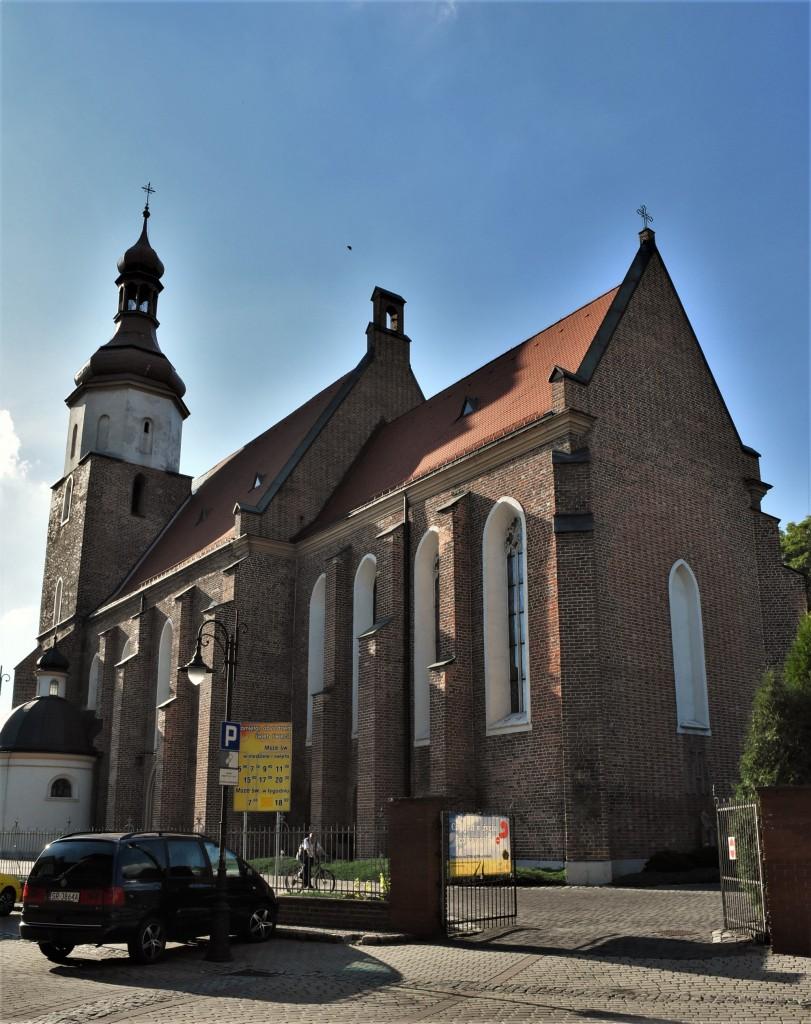 Zdjęcia: Żory, Śląsk, Żory, Kościół Świętych Apostołów Filipa i Jakuba, POLSKA