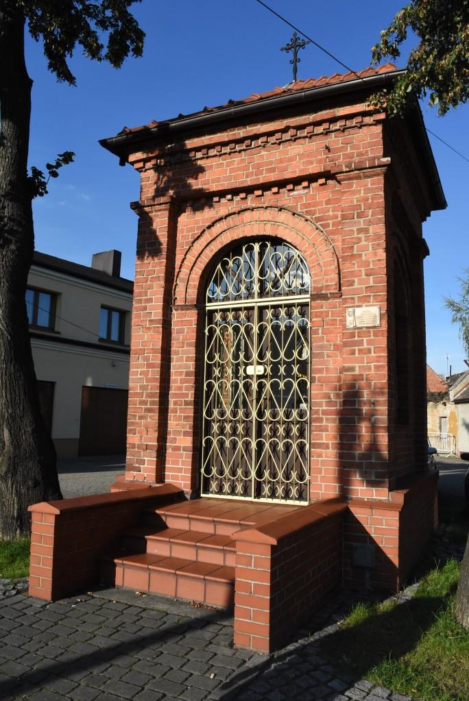 Zdjęcia: Żory, Śląsk, Żory, pamiątkowa kaplica, POLSKA
