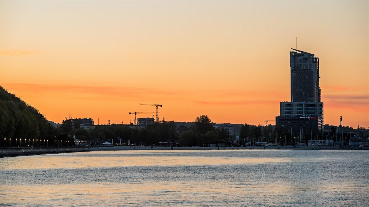 Zdjęcia: Gdynia, Pomorze, Dzień pogania noc ... ;-), POLSKA