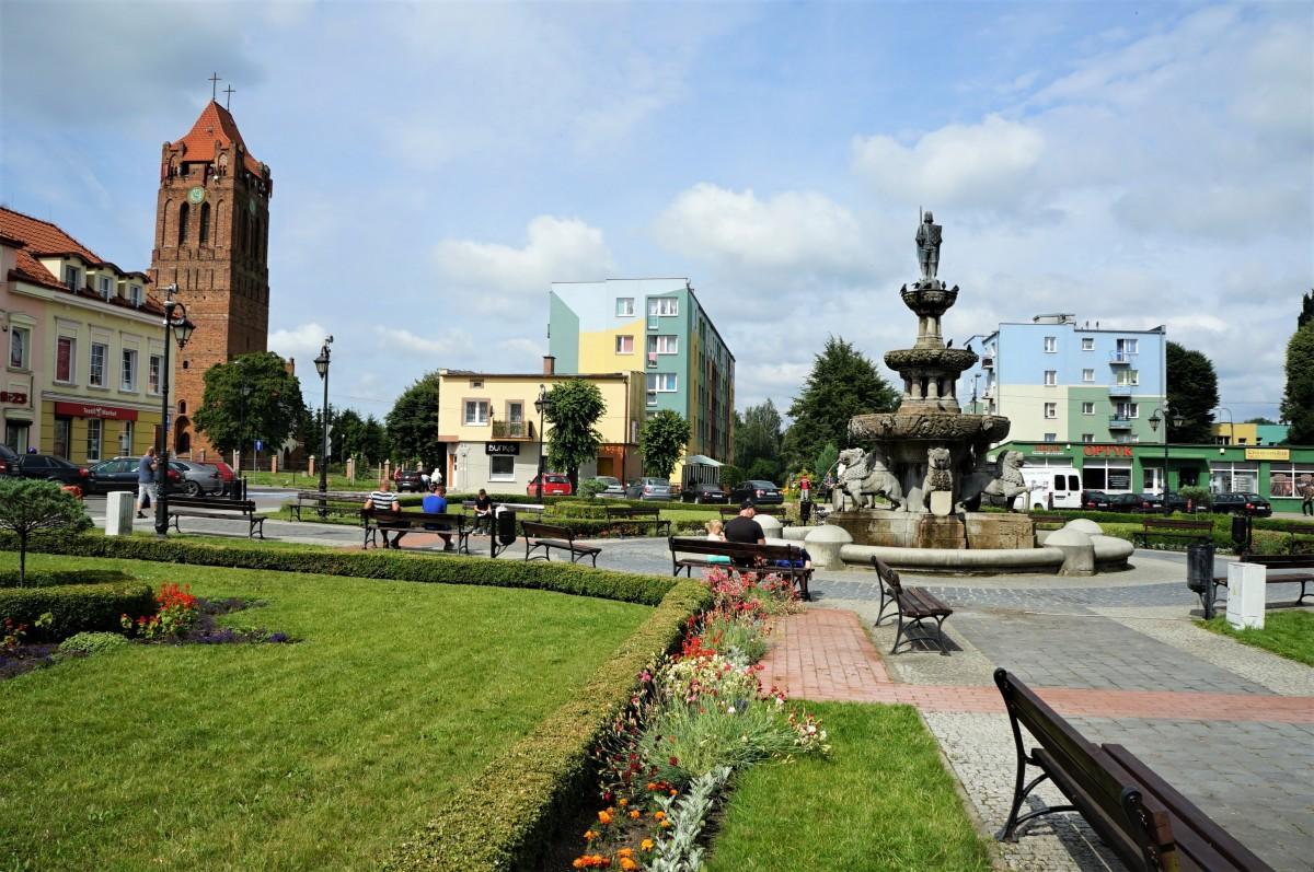 Zdjęcia: Prabuty, Pojezierze Iławskie, Fontanna Rolanda, POLSKA