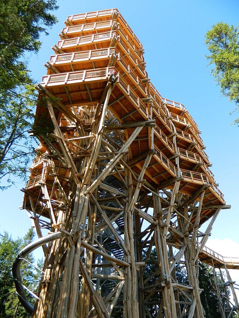Zdjęcia: Krynica Zdrój, małopolska, Wieża w koronach drzew, POLSKA